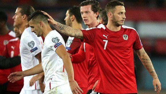 Marko Arnautovic (7) marcó un gol de Austria y participó en otro, pero no lo celebró por sus raíces serbias. Foto: Lisi Niesner / EFE