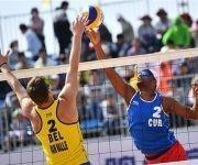 La dupla masculina  cubana de voley de playa integrada por Sergio gonzález y Nivaldo Díaz se ubica en el puesto 16 del ranking mundial tras ganar bronce en China ante Bélgica. Foto: FIVB.