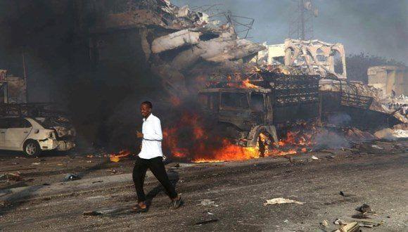 Atentado con camión bomba deja al menos 30 muertos en Somalia