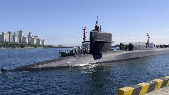 El submarino USS Michigan atraca en el puerto de Busan (Corea del Sur). Foto: US Navy.