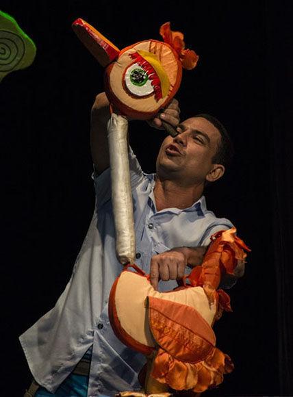 Erduyn Maza en Érase una vez un pato. Foto: Sonia Almaguer/ Juventud Rebelde.