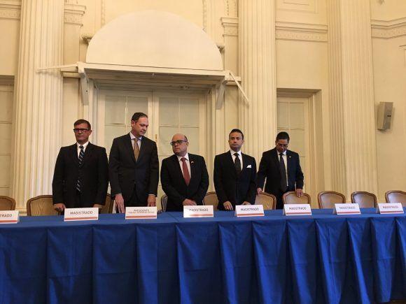 """Instalación del espurio """"Tribunal Supremo de Justicia en el exilio"""" de Venezuela, en el Salón de las Américas, de la OEA, en Washington."""