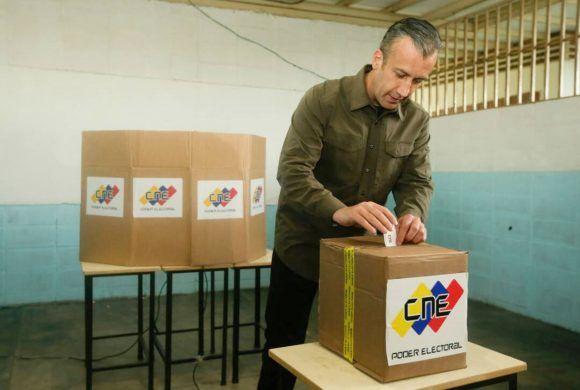 Vicepresidente Ejecutivo de la República, Tareck El Aissami ejerce su derecho al voto
