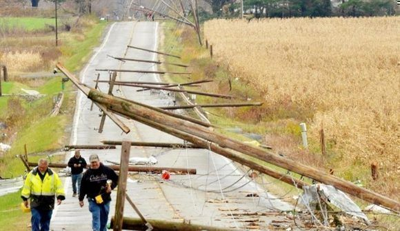 Desastre en Ohio por brote de tornados. Foto de Warren Dillaway/Star Beacon, vía AP.