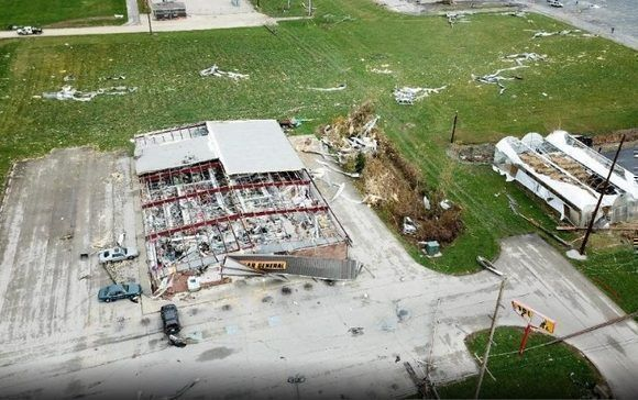 Beacon, vía AP. (FOTO 09) Desastre en Ohio por brote de tornados. Foto de Randy Roberts/The Courier, vía AP.