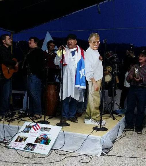 Artistas puertorriqueños celebran el cumpleaños de la bandera.