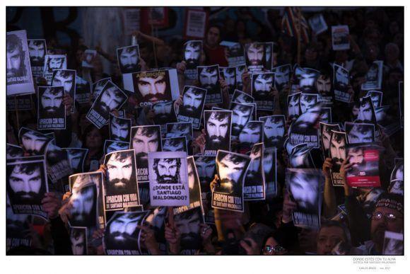 """Foto de la Expo """"Donde estés con tu alma"""", dedicada a Santiago Maldonado. Foto: Carlos Brigo"""