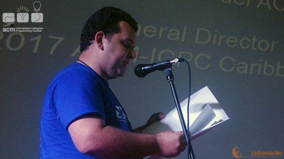 El Director de la Sede Cubana tuvo a su cargo revelar los ganadores (Foto: Ricardo Monterrey/Telecubanacán)