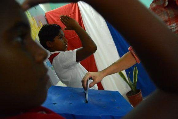 Jornada de elecciones, para elegir a los delegados a las Asambleas Municipales del Poder Popular, en el Colegio electoral número 1 de la circunscripción 4, en la ciudad de  Ciego de Ávila, Cuba, el 26 de noviembre de 2017. ACN FOTO/Osvaldo GUTIÉRREZ GÓMEZ/sdl