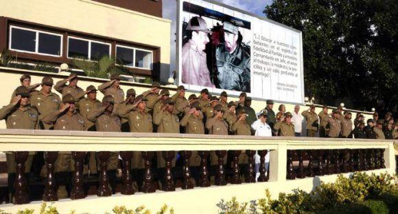 felicita-raul-a-combatientes-de-la-contrainteligencia-militar