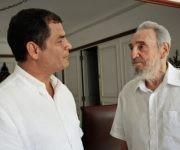 Fidel sostiene fraternal encuentro con el expresidente de Ecuador, Rafael Correa, el 21 de agosto de 2009. Autor: Estudios Revolución/ Sitio Fidel Soldado de las Ideas.