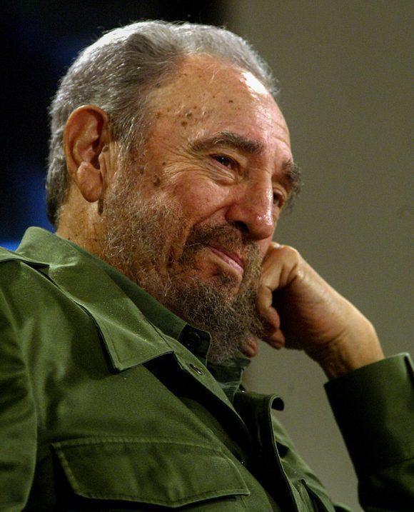 Fidel en las Mesas Redondas. Foto: Ísmael Francisco / Cubadebate