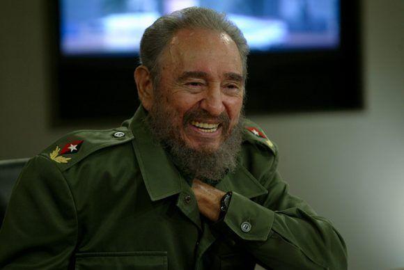 Fidel en la Mesa Redonda. Foto: Ismael Francisco / Cubadebate