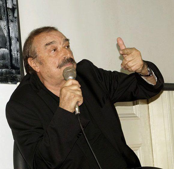 """Ignacio Ramonet potragonizó el espacio """"Catalalejo"""" de la Unión de Periodistas de Cuba (UPEC), donde disertó sobre varios temas y respondió preguntas de los asistentes. Foto: José Raúl/ Cubadebate."""