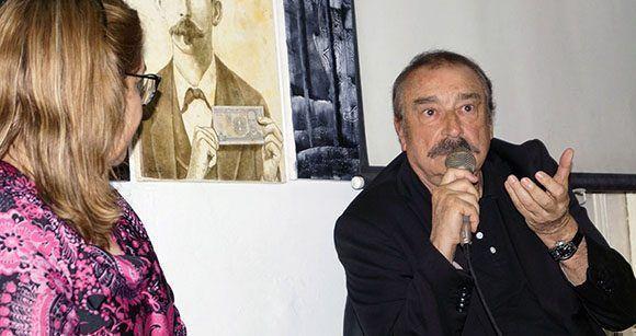 Rosa Miriam Elizalde, vicepresidenta de la UPEC, fue la moderadora del conversatorio con Ramonet. Foto: José Raúl/ Cubadebate.
