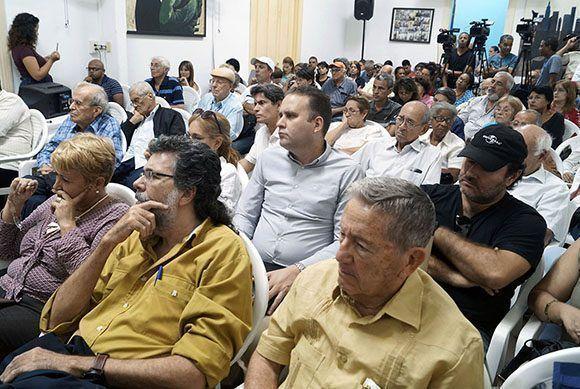 Al encuentro asistieron personalidades de la cultura y la política de Cuba, como Abel Prieto, Ricardo Alarcón, José Millar Barruecos. Foto: José Raúl/ Cubadebate.