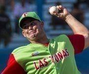 Luis Ánguel Gómez, lanzó un gran partido de pelota en el Latino. Foto: Ismael Francisco/ Cubadebate.