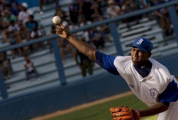 Freddy Asiel lanzó uno de sus mejores partidos de los ultimos tiempos. Foto: Ismael Francisco/ Cubadebate.