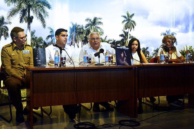 Presenta Editorial Verde Olivo texto Ahí viene Fidel