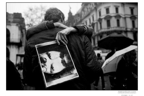 """Foto de la Expo """"Donde estés con tu alma"""", dedicada a Santiago Maldonado. Foto: Lucía Prieto"""