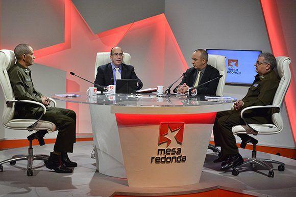 Mesa Redonda sobre las medidas migratorias que entrarán en vigor el próximo primero de enero. Foto: Roberto Garaycoa/ Cubadebate.
