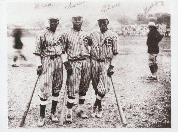 Pablo Mesa, Oscar Charleston y Alejandro Oms.