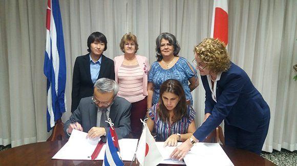 Cuba y Japón firmaron acuerdo de donación de equipamiento agrícola para el incremento de la producción de semilla de arroz. Foto: MINCEX.