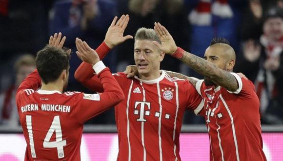 Bayern Múnich goleó 3-0 al Augsburgo con doblete de Lewandowski. Foto: Agencias