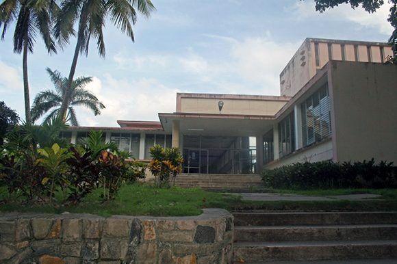 El bloqueo de EEUU imposibilitó a una ONG inglesa enviar fondos a la bibliotea de la Universidad de Las Villas. Foto: Blog Horizontes.