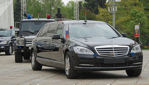 Caravana presidencial de Putin durante su visita a San Petersburgo. Foto: Sputnik/ Sergei Guneev