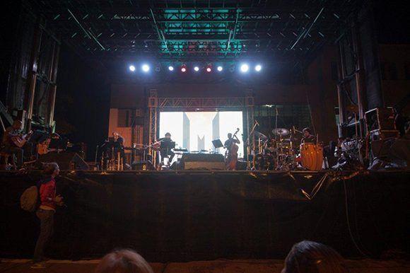 Concierto 87 de la Gira por los barrios de Silvio Rodríguez. Foto: Iván Soca
