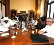 Autoridades de Cuba y Níger sostienen encuentro en la sede del MINREX en La Habana. Foto: @CubaMINREX/ Twitter.