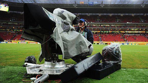 La corrupción en el fútbol a nivel global que han vinculado a decenas de hombres y empresas que, según los procuradores, conspiraron para ilegalmente enriquecerse a partir de los acuerdos de transmisión y patrocinio relacionados con los eventos futbolísticos más grandes del mundo. Foto: FIFA.