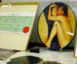 Las pertenencias, robadas a la viuda de Lenon, Yoko Ono, en 2006 en Nueva York, fueron incautadas como prueba, explicó Martin Steltner, portavoz de la fiscalía de Berlín.