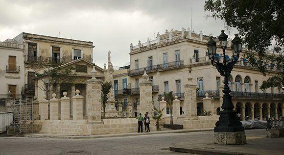 Obras de ampliación del pórtico del Templete. Foto: Alexis Rodríguez/ Habana Radio.