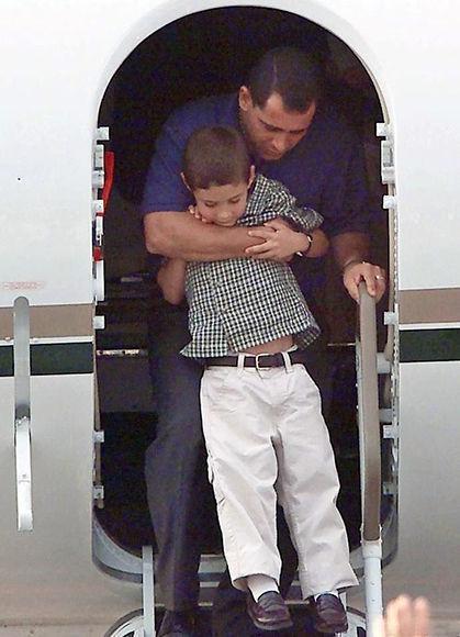Llegada al aeropuerto José Martí el 28 de junio de 2000. Foto: AFP.