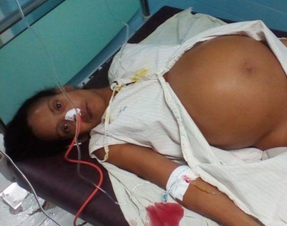 Con 22 semanas de embarazo el abdomen de Aliuska parecía el de una gestante a punto de dar a luz. Foto: Venceremos.
