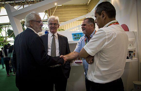 Roberto Jaguaribe, Prsidente de Apex-Brasil y Antonio Alves, embajador y encargado de negocios de Brasil en La Habana, intercambiaron con empresarios brasileños. Foto: Irene Pérez/ Cubadebate.