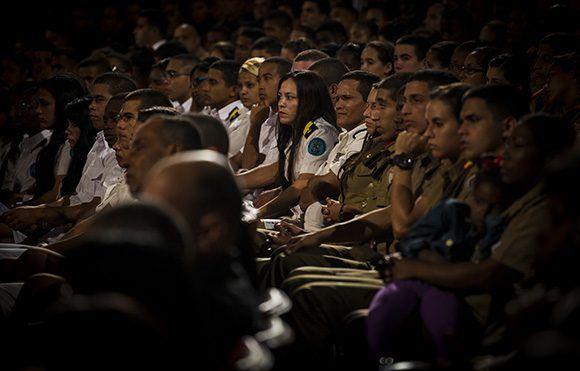 Gala político-cultural en homenaje al centenario de la Revolución Socialista de Octubre. Foto: Irene Pérez/ Cubadebate.