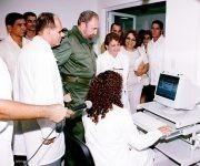 Fidel en la inauguración del Centro Internacional de Genética Médica en 2003. Foto: Estudios Revolución.