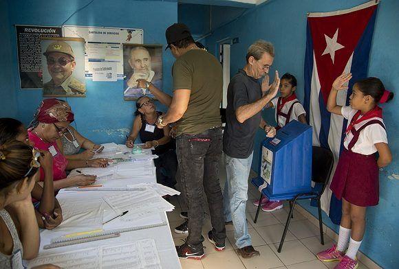 La democracia fidelista ha consistido en gobernar con el pueblo y para el pueblo. Foto: Ismael Francisco/ Cubadebate.