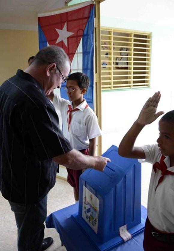 Lázaro Expósito Canto, primer secretario del Comité Provincial del Partido Comunista de Cuba (PCC), en la provincia Santiago de Cuba. Foto: Tomada de ACN.