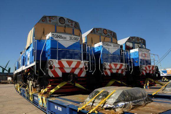 Nuevas locomotoras rusas llegan a Cuba. Foto: Prensa Latina