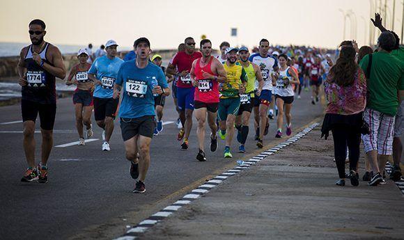 Edición 31 de Marabana, principal carrera de maratón de Cuba. Foto: Irene Pérez/ Cubadebate.