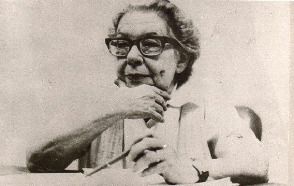 La obra y la vida de Mirta Aguirre, de saldo numeroso y sustancial, fueron y siguen siendo altamente valiosas para el país.