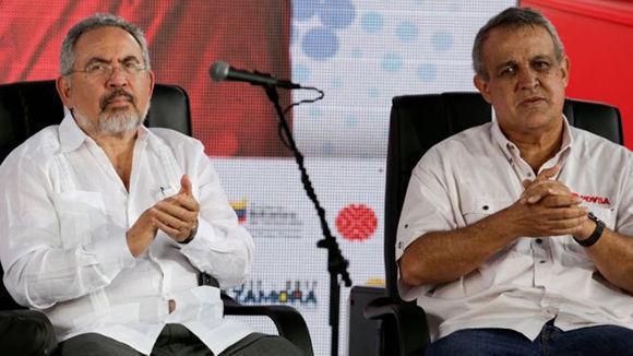 Nelson Martínez y Eulogio del Pino. Foto: Reuters.