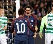 Neymar y Cavani celebran en la goleada 7-1 al Celtic, ambos marcaron doblete. Foto: Reuters.