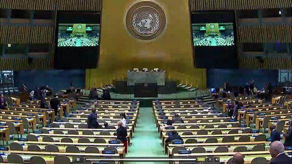 El Salón de la Asamblea General está listo en espera de los Estados miebros que dirán #NoMásBloqueo. Foto: