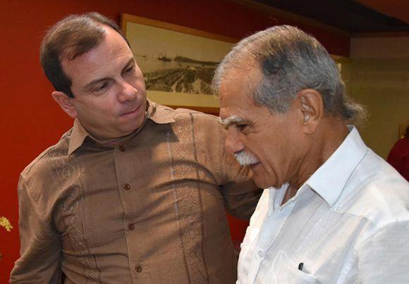 Dos héroes, el cubano Fernando González (izq) y el puertorriqueño Oscar López. Foto: Omara García/ ACN.