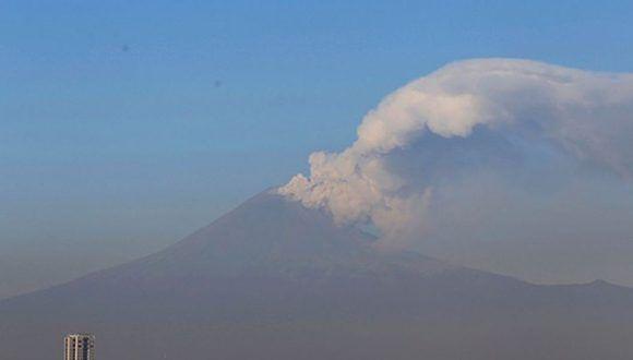 Volcán Popocatépetl lanza fragmentos incandescentes durante 4 horas